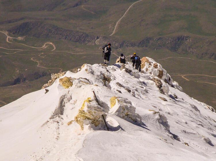 Kurz Unterhalb Des Gipfels Am Damavand Auf Der Trekkingreise In Den Iran