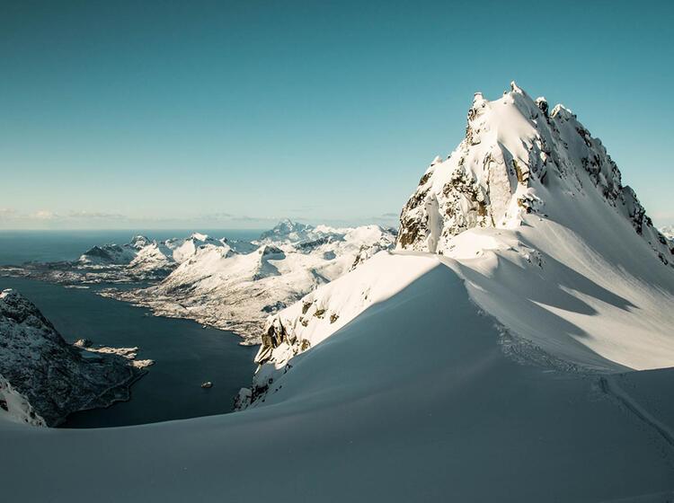 Lofoten Schneeschuhtour Gipfel