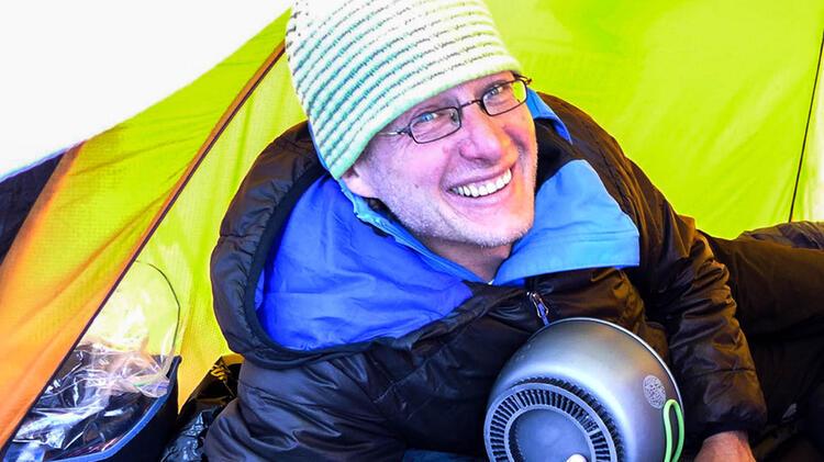 Michael Rueter Ist Bergfuehrer Auf Expedition