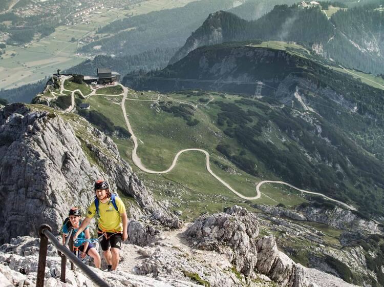Mit Berfuehrer Auf Die Alpspitze