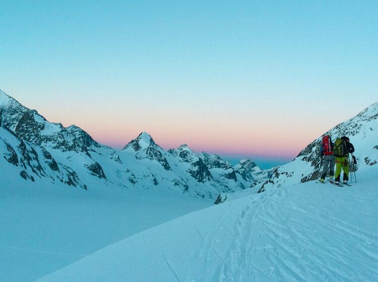 Mit Bergfu Hrer Auf Der Skidurchquerung Haute Route Von Chamonix Nach Zermatt