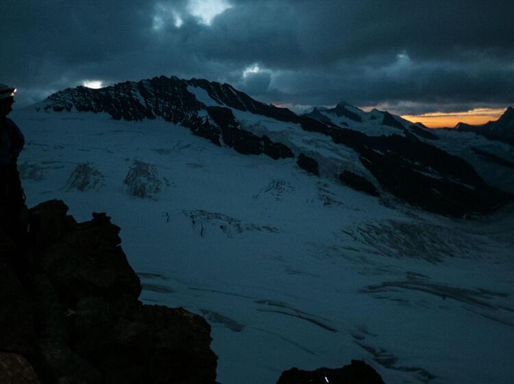 Mit Bergfuehrer Auf Die Junfrau Viertausender Im Berner Oberland