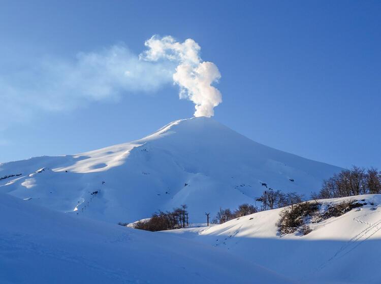 Mit Bergfuehrer Auf Skitour In Chile