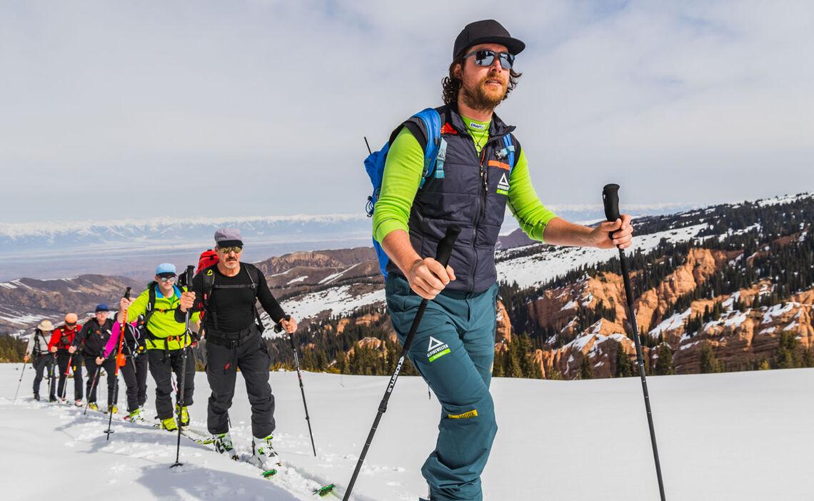 Mit Bergfuehrer Nach Kirgistan Zum Skitouren Gehen