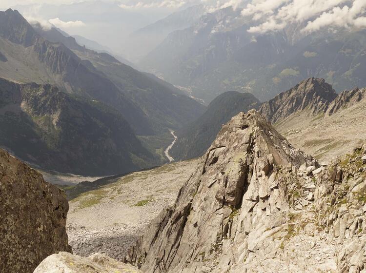 Mit Bergfuehrer Wandern Im Bergell