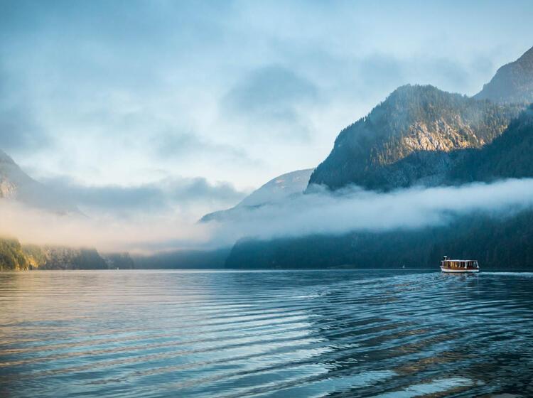 Mit Dem Schiff Ueber Den Koenigssee Zum Wandern