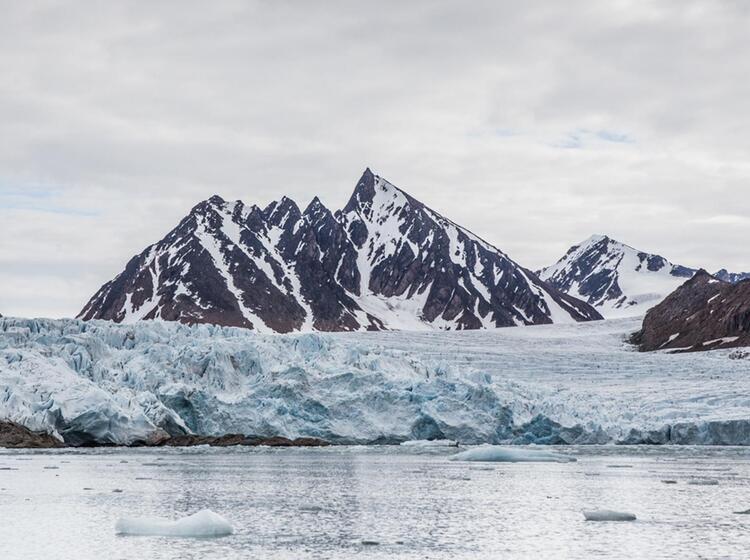 Mit Den Hurtigruten In Die Arktis