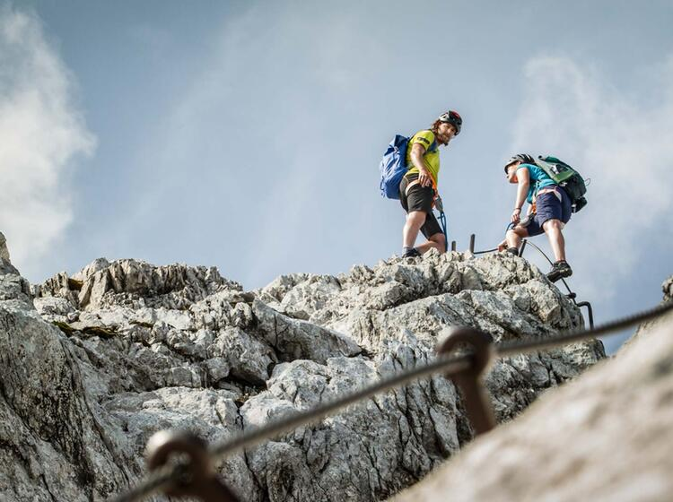 Mit Einem Bergfuehrer Auf Die Alpspitze Klettern