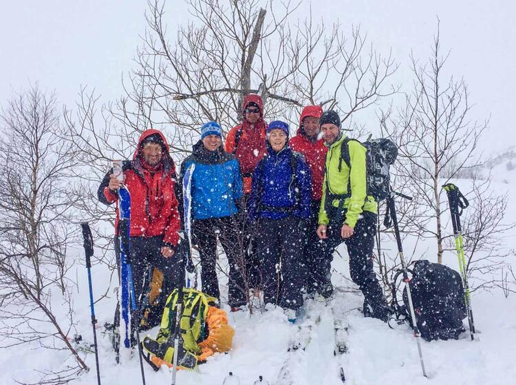 Montenegro Schneefall Auf Der Skitourenwoche