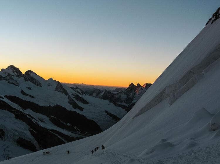 Morgens An Der Moenchsjochhuette Im Berner Oberland