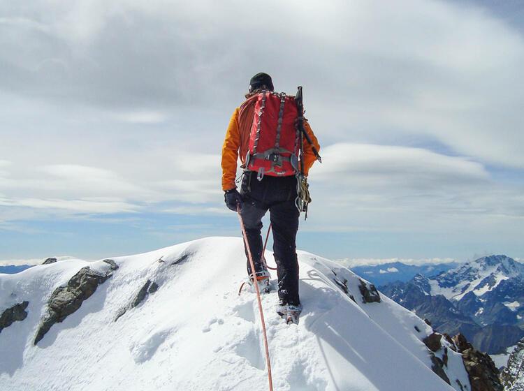 Neue Spur Am Gipfel Des Piz Bernina Biancograt