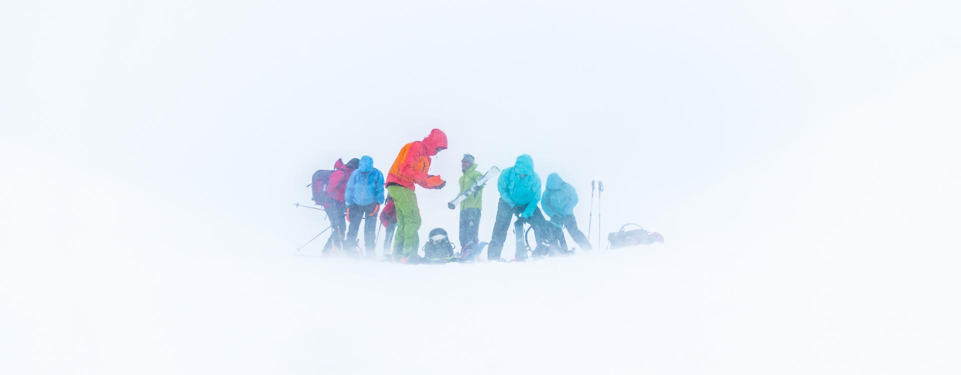 Orientierung mit Bergfuehrer auf der Haute Route von Chamonix nach Zermatt