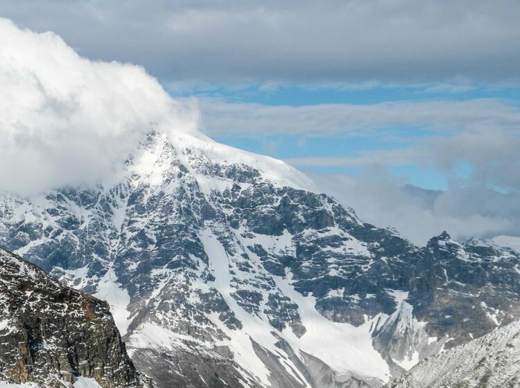 Ortler Und Koenigsspitze Mit Bergfuehrer