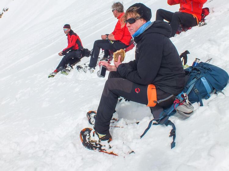 Pause Auf Der Schneeschuhtour Hochtour