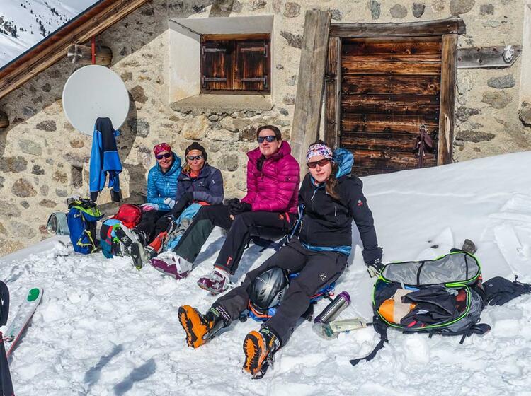 Pause Auf Skitour Im Val Muestair
