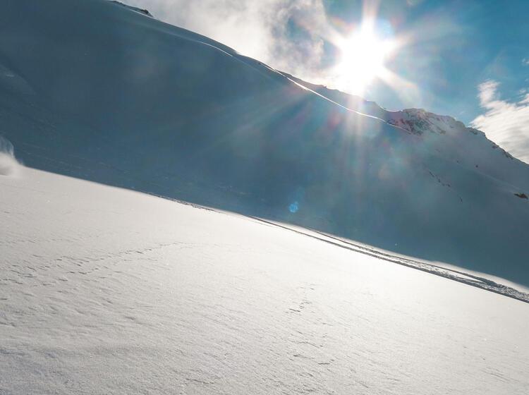 Perfekter Schnee Auf Der Skitourenwoche Im Wallis