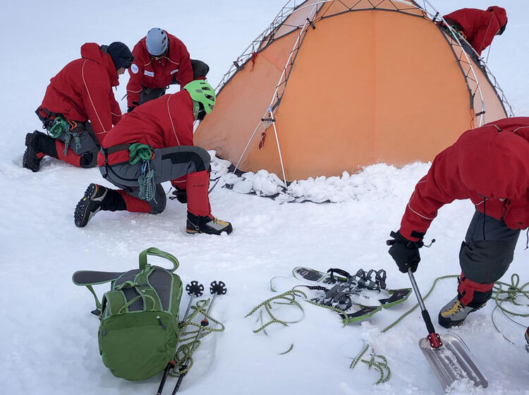 Polar Survival Training Helicopter 2