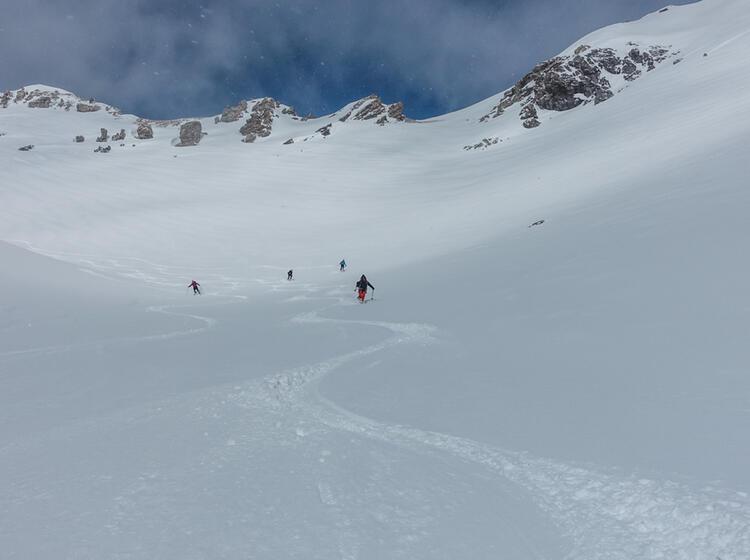 Powder Im Val Muestair Auf Der Skitourenwoche Mit Bergfuehrer