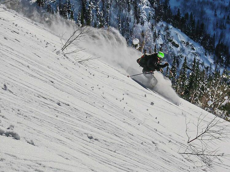Powder Pur Bei Den Skitouren In Sibirien