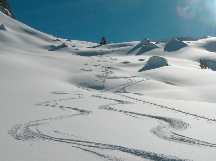 Pulverschnee Auf Den Skitouren In Montenegreo