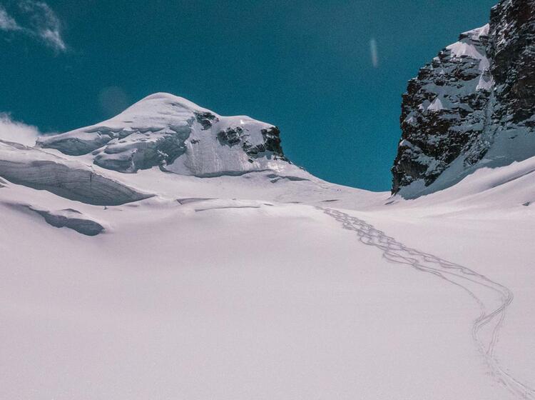 Pulverschnee Im Wallis Auf Der Abfahrt Zur Monterosahuette
