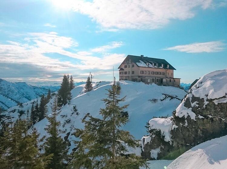 Rotwandhaus Auf Der Schneeschuhtour Am Spitzingsee