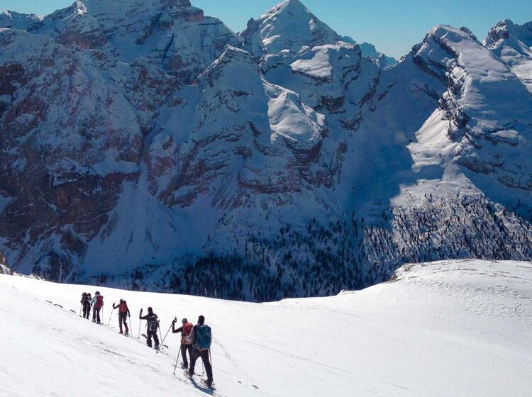 Schneeschuhtouren Fu R Einsteiger Von Der Lavarella Hu Tte In Den Dolomiten