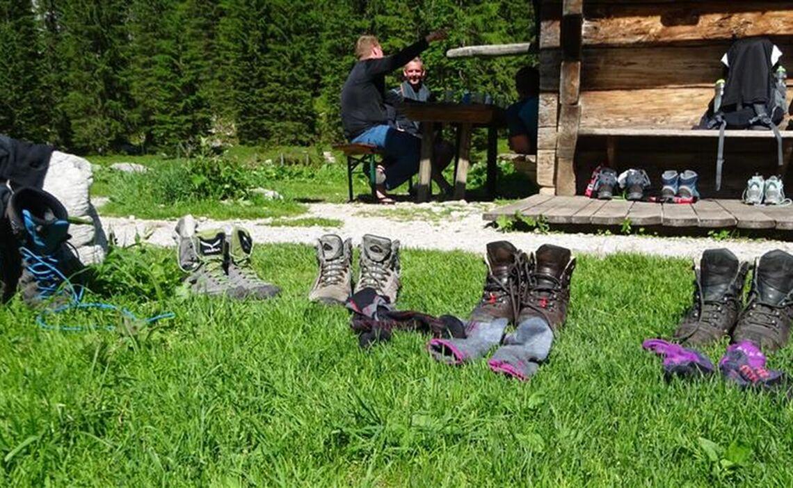 Schuhe Trocknen Vor Der Wasseralm