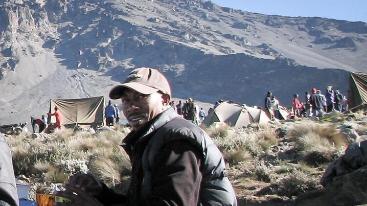 Sebastian Tenga Bergfu Hrer Kilimanjaro 3