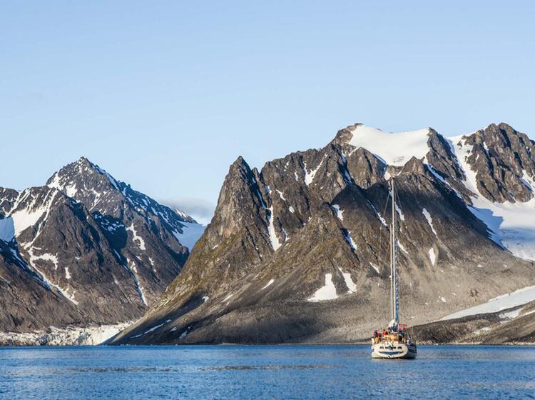 Segeln Und Wandern Auf Spitzbergen In Norwegen
