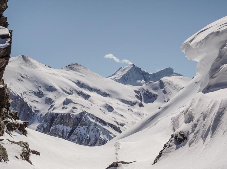 Ski Durchquerung Mit Bergfuehrer In Der Schweiz