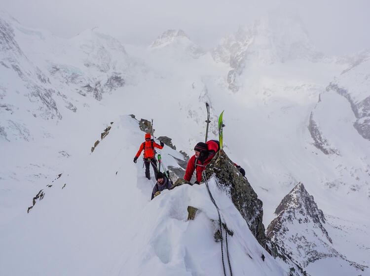 Skihochtour Mit Bergfuehrer Im Wallis