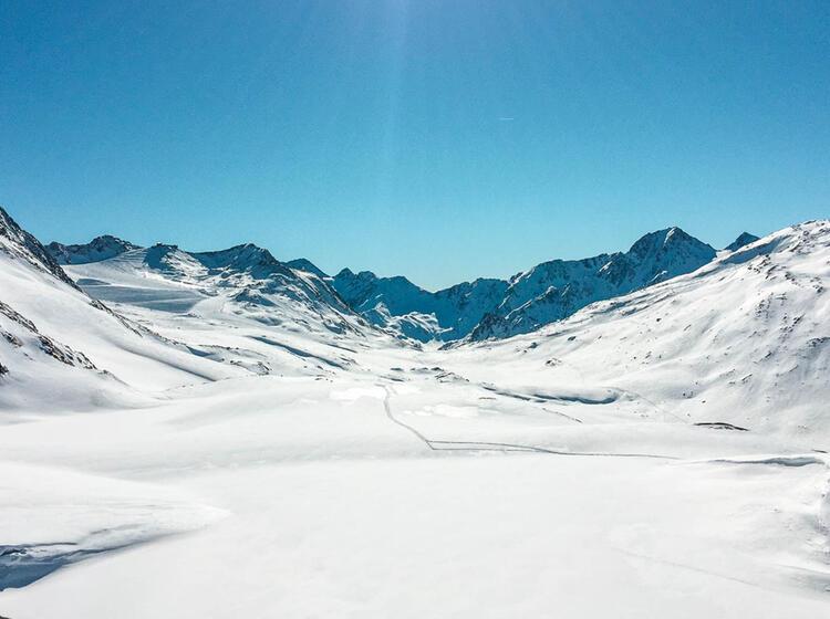 Skihochtouren Im O Tztal Auf Der Skidurchquerung Von Hu Tte Zu Hu Tte