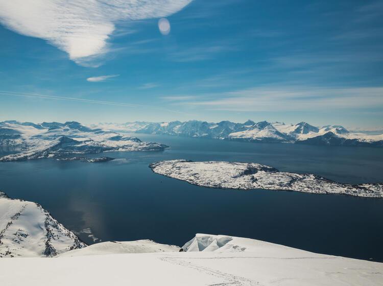 Skitouren Auf Der Insel Kagen In Den Lyngenalpen