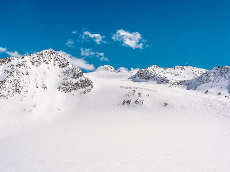 Skitouren Im Oetztal Rund Um Die Wildspitze Auf Der Venter Runde