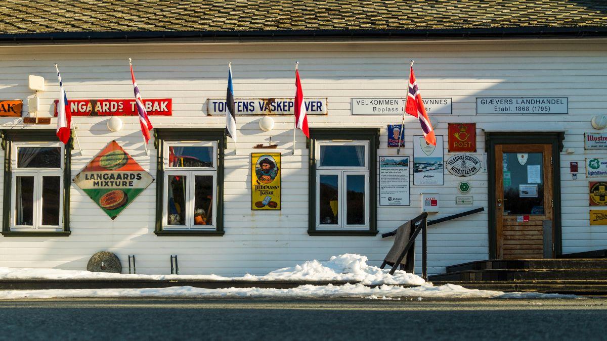 skitouren-in-norwegen-erleben-mit-einer-gefuehrten-tour.jpg