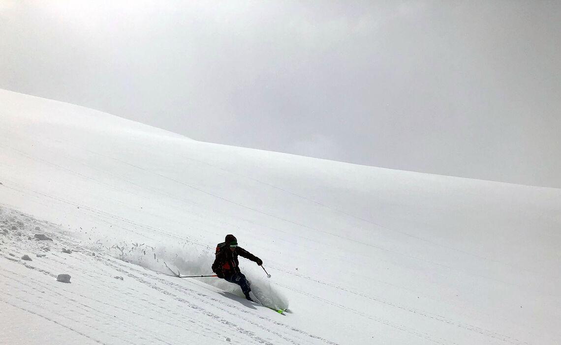 Skitouren Iran Auf Der Abfahrt Vom Damavand