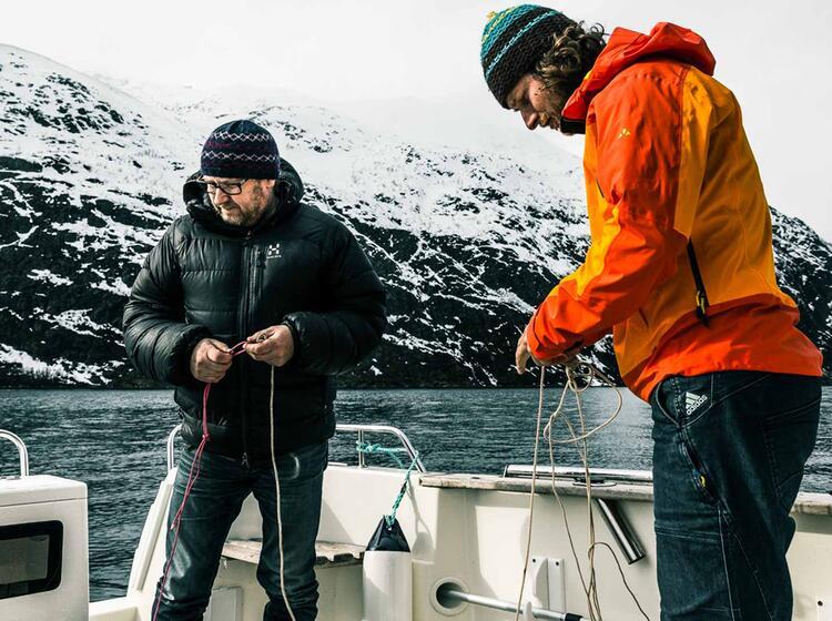 Skitouren Und Fischen Vom Boot In Norwegen