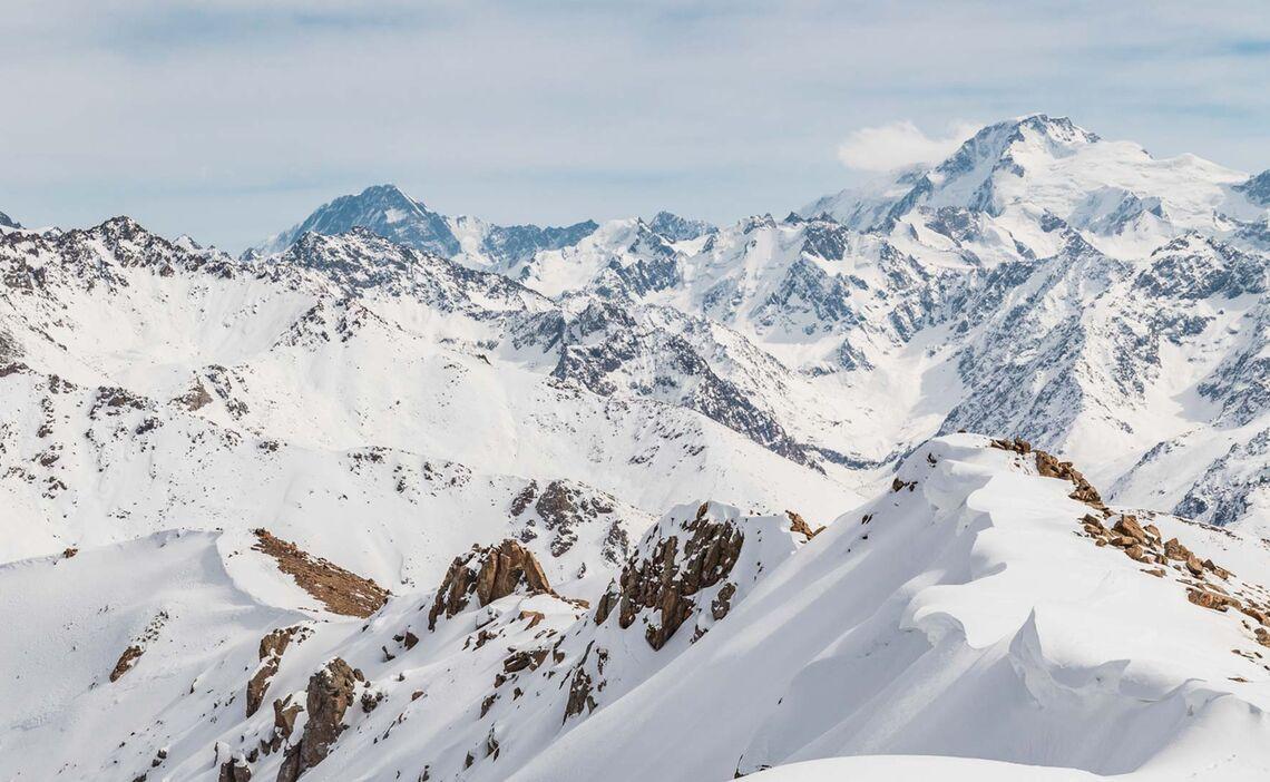 Skitouren Und Freeriden Im Tien Shan Gebirge In Kirgistan
