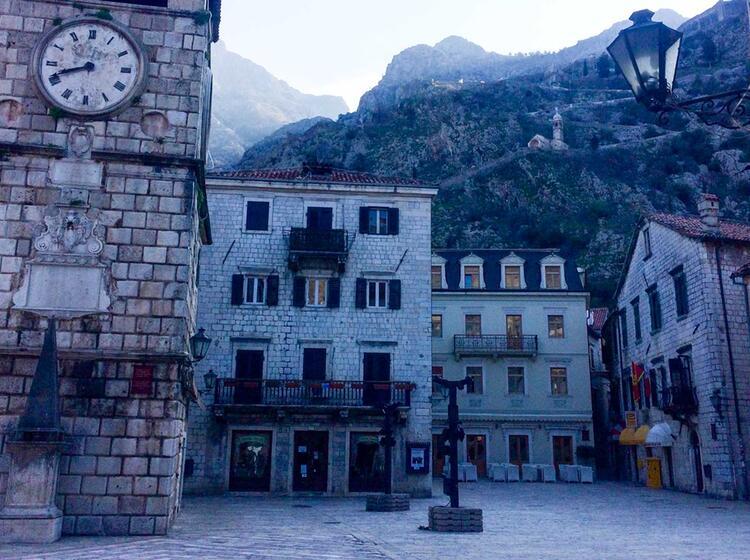 Skitouren Und Kultur Auf Der Reise Nach Montenegro
