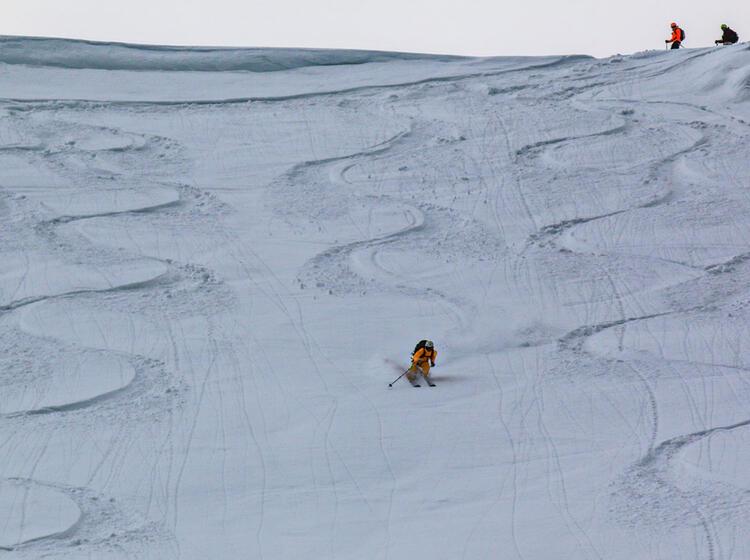 Skitouren Und Pulverschneefahren In Sibirien Am Baikalsee