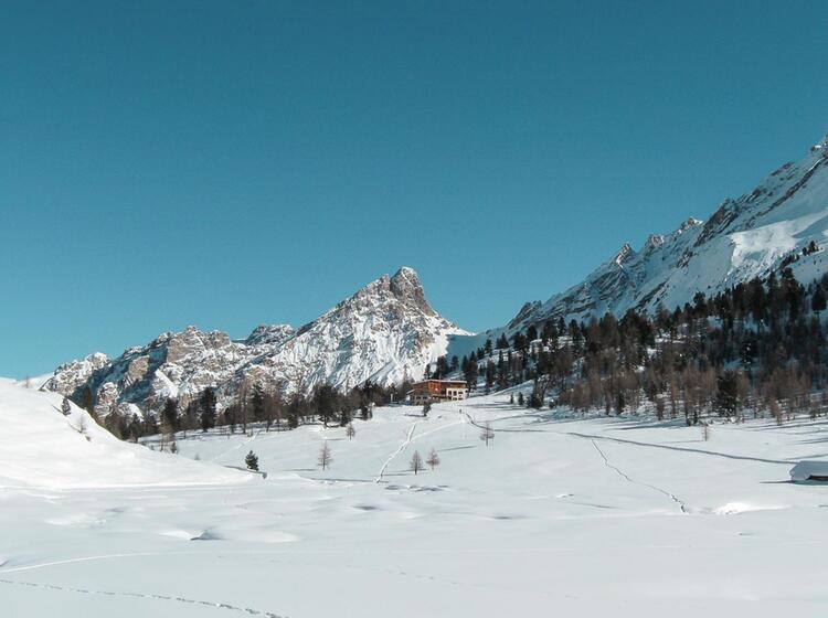 Skitouren Und Schneeschuhtouren Von Der Lavarella Huette Aus