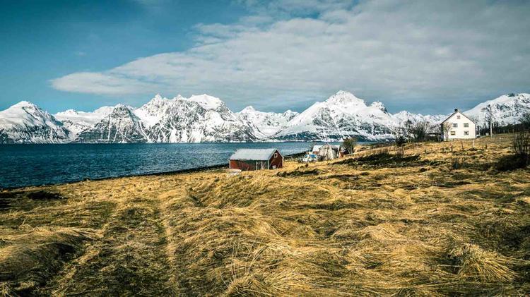 Skitouren Vom Boot Und Von Land In Den Lyngenalpen Mit Bergfuehrer