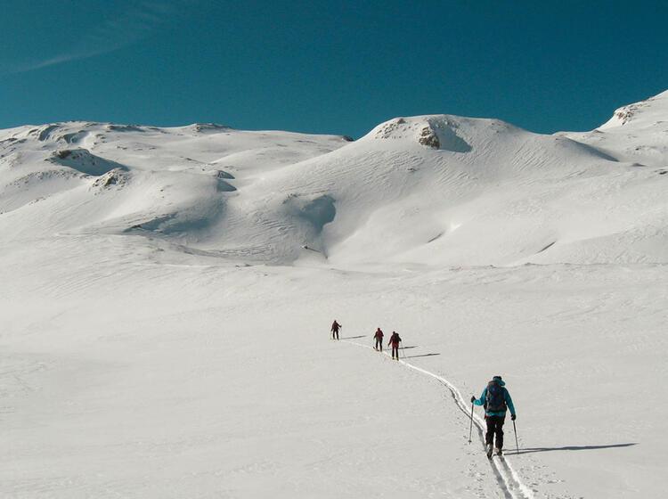 Skitourenwoche Auf Der Lavarella Huette In Der Fanes