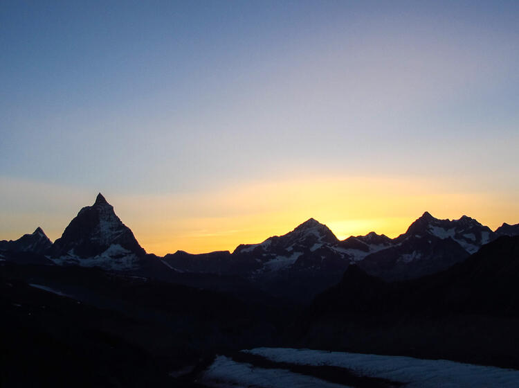 Sonnenaufgang Mit Blick Zum Matterhorn Auf Der Hochtouren Fuehrung