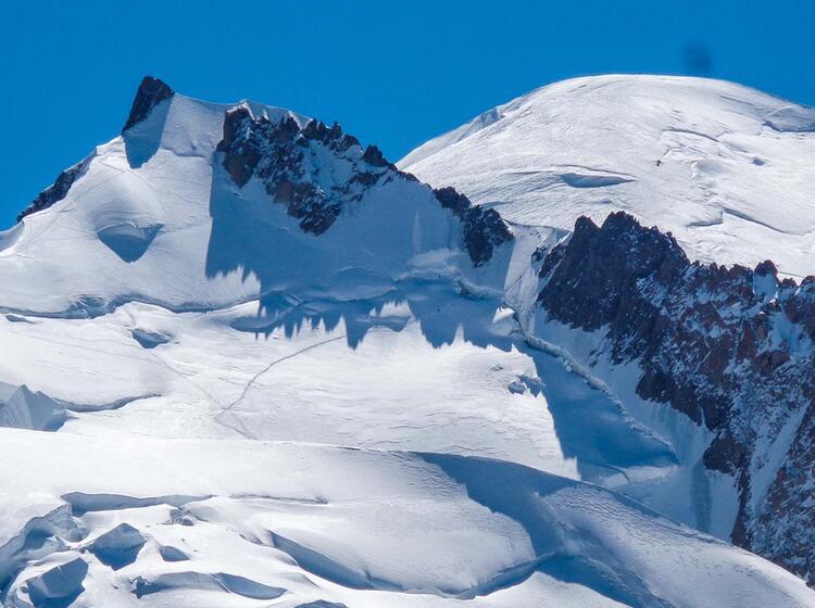 Steile Spur Am Mont Maudit Der Schluessel Zur Mont Blanc Besteigung