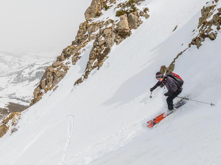 Steiles Colouir In Kirgistan Beim Freeriden