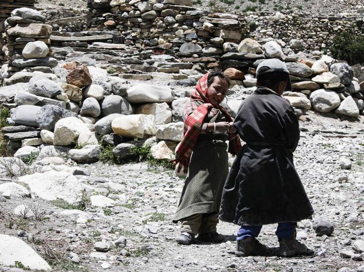 Tibetische Kampakinder