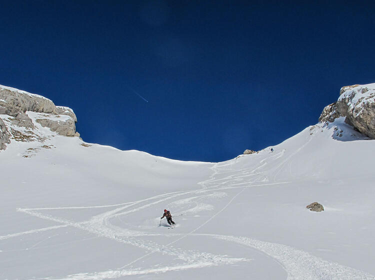 Tiefschneeabfahrt Am Skitourenkurs
