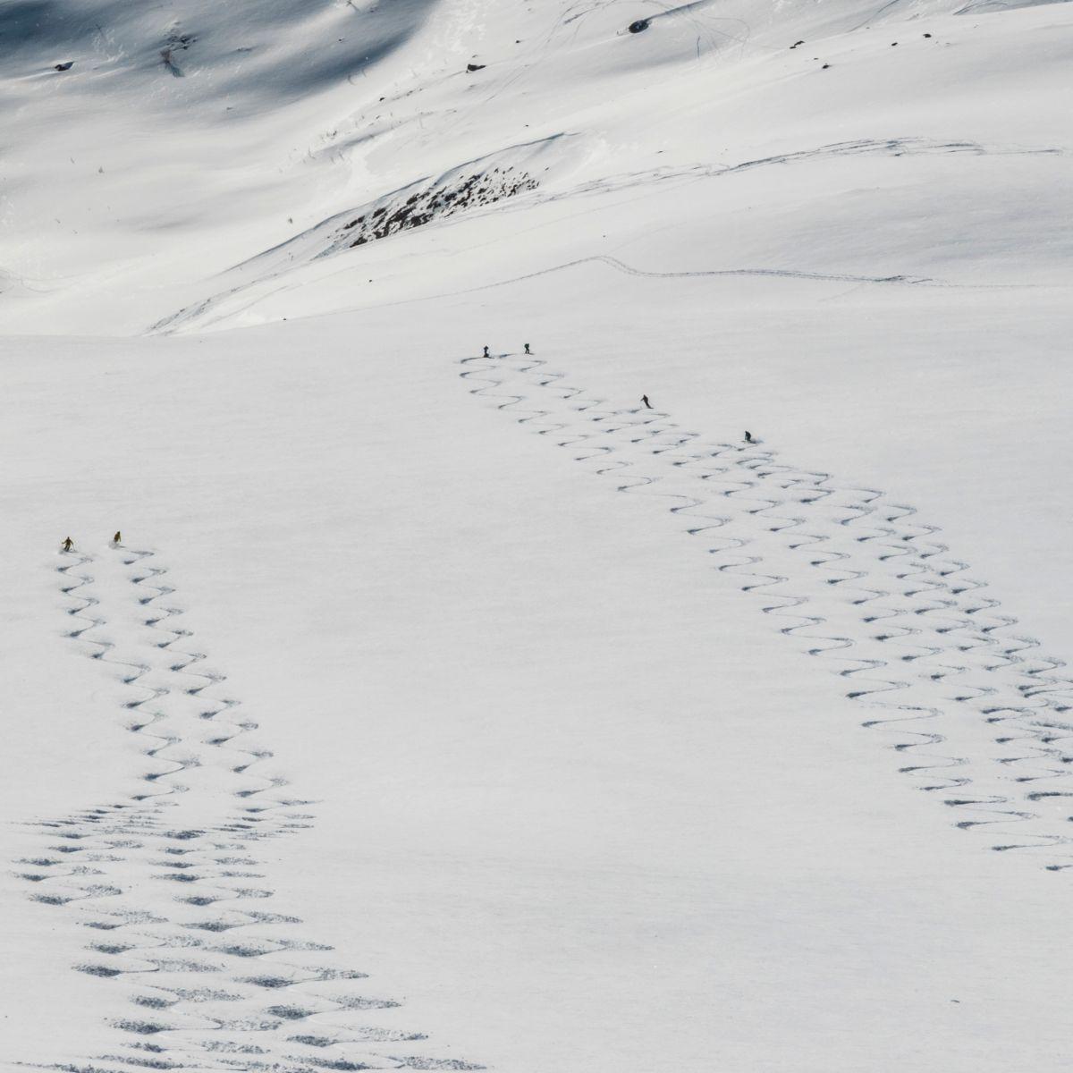 traum-abfahrt-bei-den-gefuehrten-skitouren-in-norwgen-am-storgalten.jpg